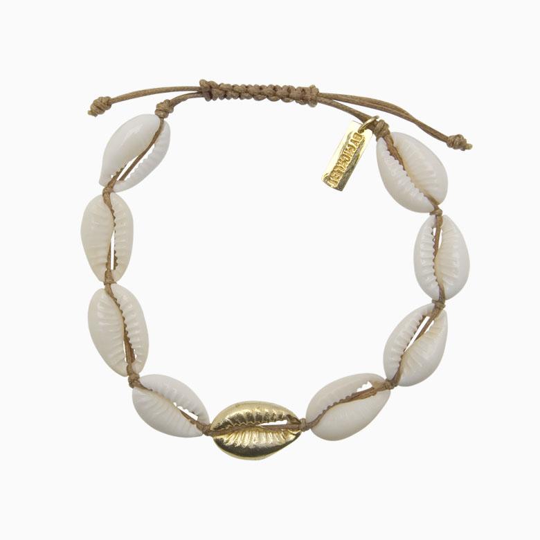 Konkylie armbånd med guldkonkylie | no. 8C- DESVÆRRE UDSOLGT