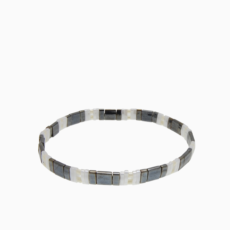 Armbånd  med fine firkantede perler | no. 150