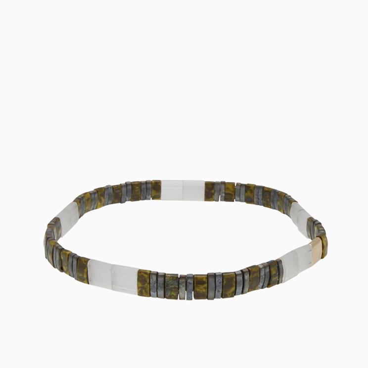 Armbånd  med fine firkantede perler | no. 152