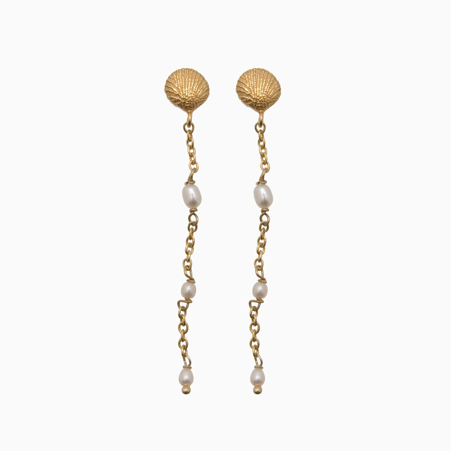 Ørestik med guldskal og små hvide perler | no. 763- DESVÆRRE UDSOLGT