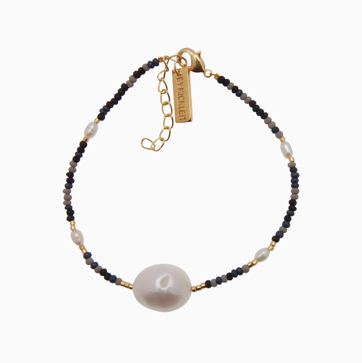 Perlearmbånd m. seed beads og stor baroque perle, blå   no. 96